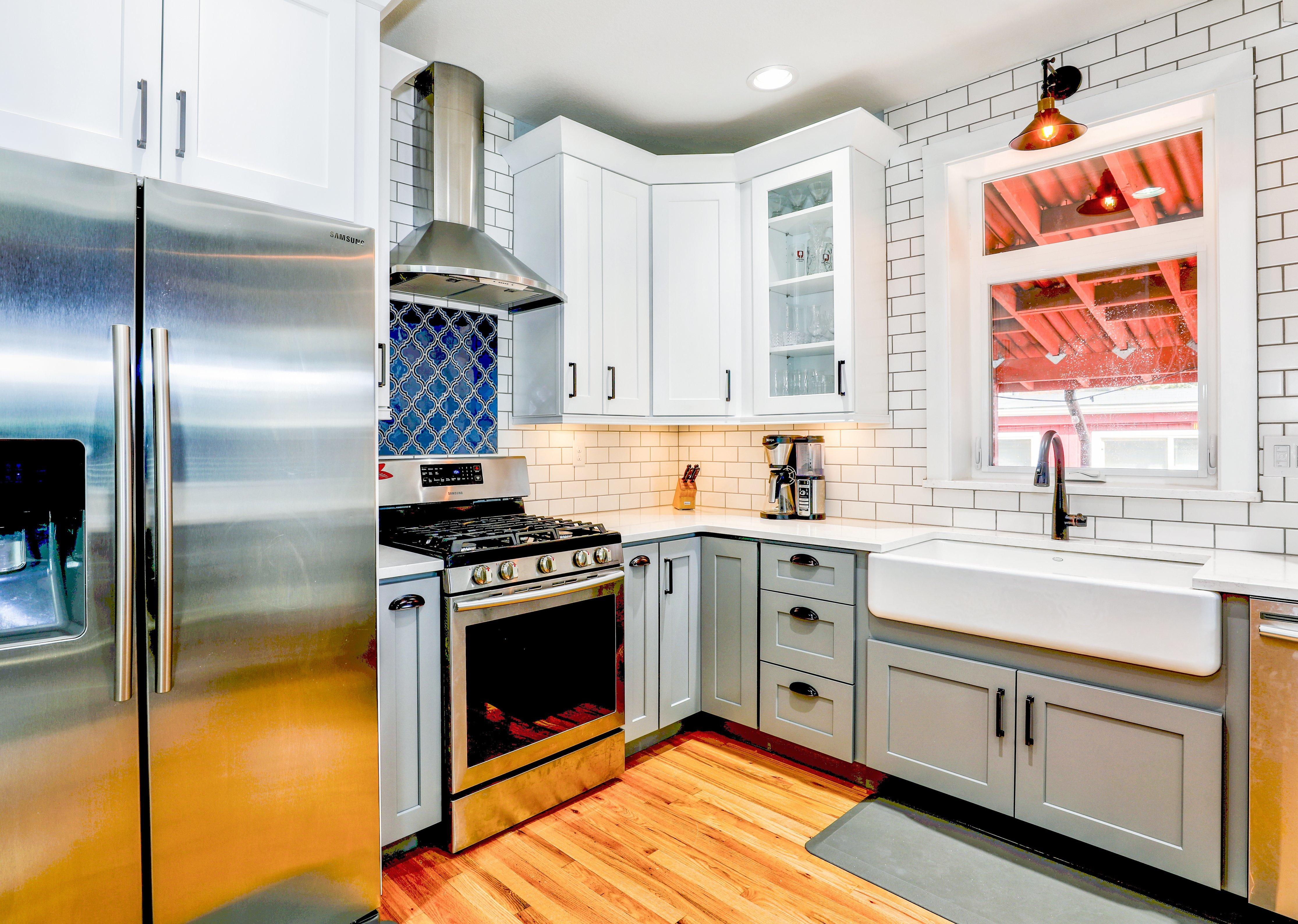 farmhouse kitchen sink 2.jpg